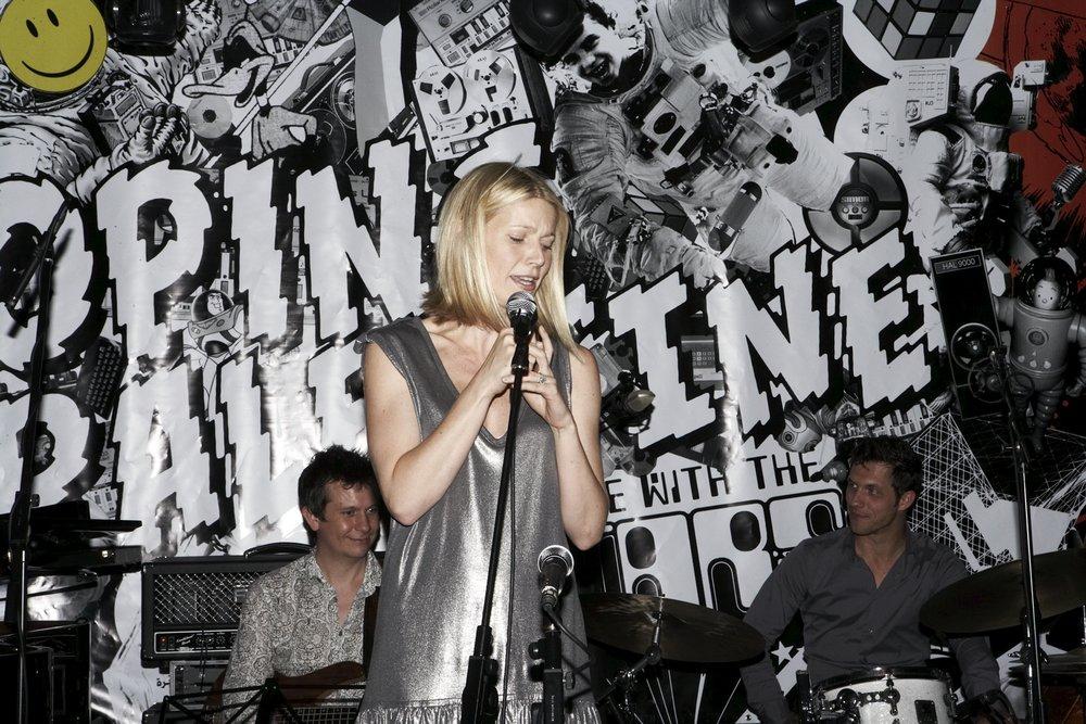 Karaoke 08 Gwyneth Paltrow.jpg