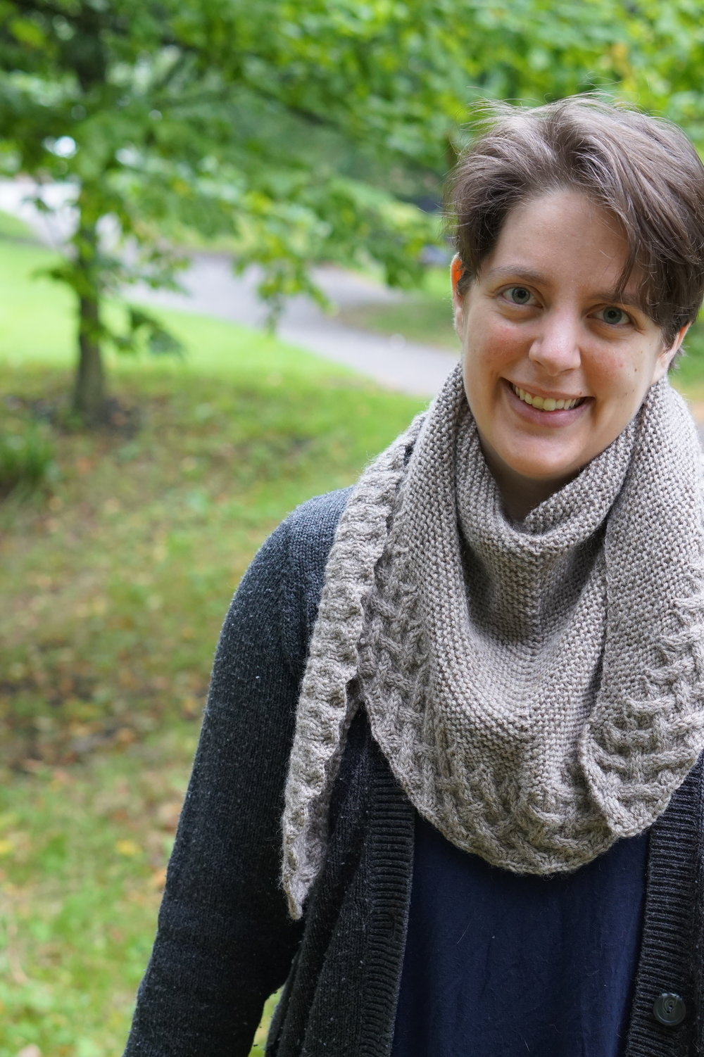 Hi, I'm Joeli! - I'm a knitter, tech editor, mum to two boys, course creator, biz coach, and lover of sports documentaries. I started knitting when I was a child and basically never stopped. I was a super nerdy child; head always in a book and in love with space, maths, and science. After a brief stint at MIT, I ended up at the University of Liverpool and earned a BSc in Mathematics with Education (I also published my first design while I was there.) Shortly after graduating in 2008, being unsure what to do next, I discovered the world of test knitting and tech editing. I went on to work with magazines, yarn companies, a book publisher, and hundreds of designers. I've created courses, ran knitting retreats, demonstrated HiyaHiya needles on live TV, and vended at shows. I've been lucky enough to teach hundreds of knitters to become tech editors and watch as they go on to build thriving tech editing careers of their own. It's been amazing and I'm so grateful for the crazy turn of events that lead me here.