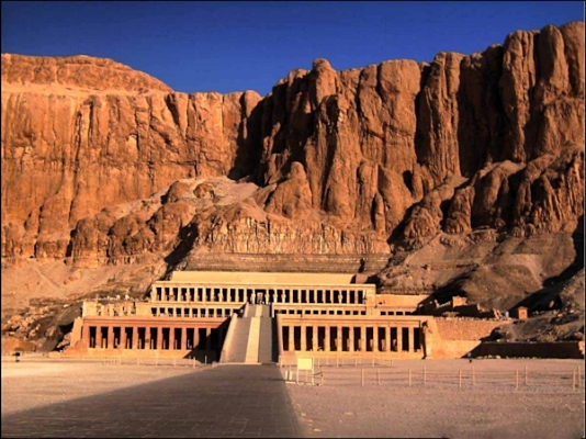 temple_of_hatshepsut_by_darkestsun.jpg