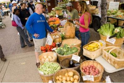 Lexington Farmers Market. Photo by Matt Barton.