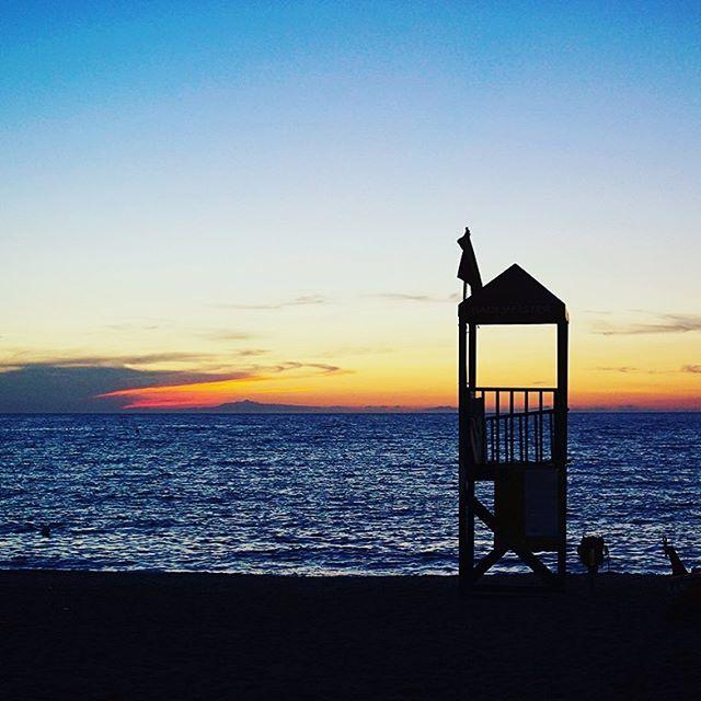 Ogni sera il nostro Giglio ci regala dei tramonti indimenticabili... 🌅🍸 #isoladelgiglio #giglionelblu #tuscany #italy #summer #holiday #house #rent #beach #sun #sea #sunset #travel #italia #volgotoscana #igersmaremma #volgogrosseto #giglioisland #island #islandlife #wanderlust #mytinyatlas #stayandwander #welivetoexplore #ladolcevita #ocean #beautifuldestinations