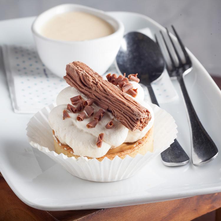 Banoffee Cake with Chocolate Flake