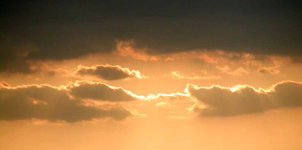 Clouds-under-dark-sky.jpg