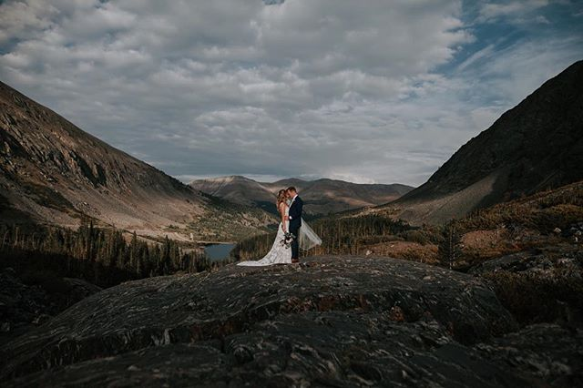 """Did you know that my husband @chrismrhume and I travel for weddings and elopements too?? When it comes to some of our """"bucket list"""" destinations we are open to a bit of travel fee negotiation too 🥰 (a couple of our main ones right now are...Portland, OR -- New York City -- pretty much any national parks -- Iceland) - - - #destinationweddings #weddingadvice  #bloggerfashion#fashionablelife #austinbrides #atxphotographer #texasweddings #travelwithme #travellove #travelgoals  #sheisnotlost #bloggerperks #theblogissue #bridebook #belovedstories #theweddinglegends #weddingcouture #bridebook #belovedstories  #theweddinglegends #elopementadventure  #elopmentweddingphotographer #elopementphotographer #mountainweddings #elopementlove #elopementcollective"""