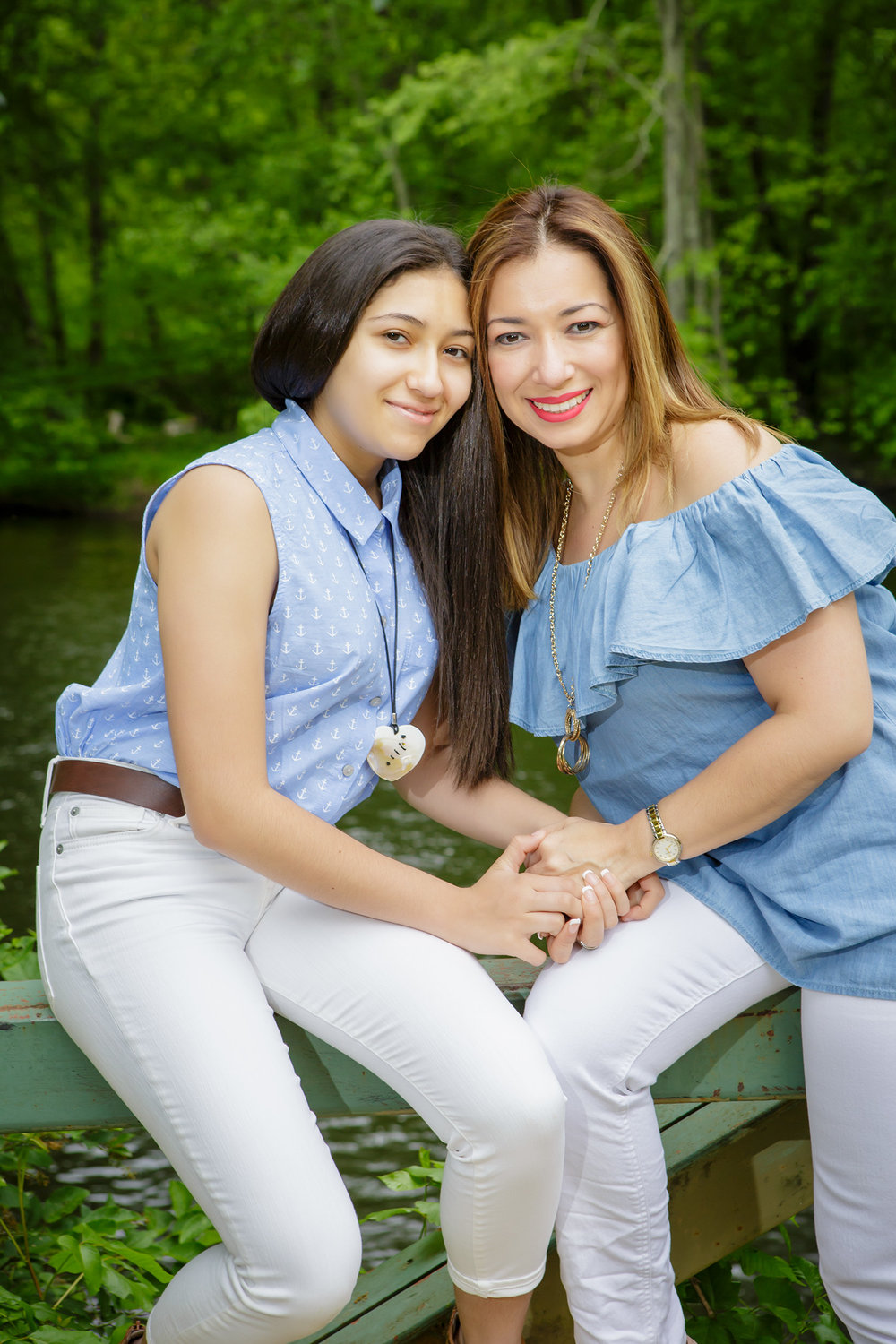 Casual Portrait of  mom and daughter in Ramapo Reservation in Mahwah