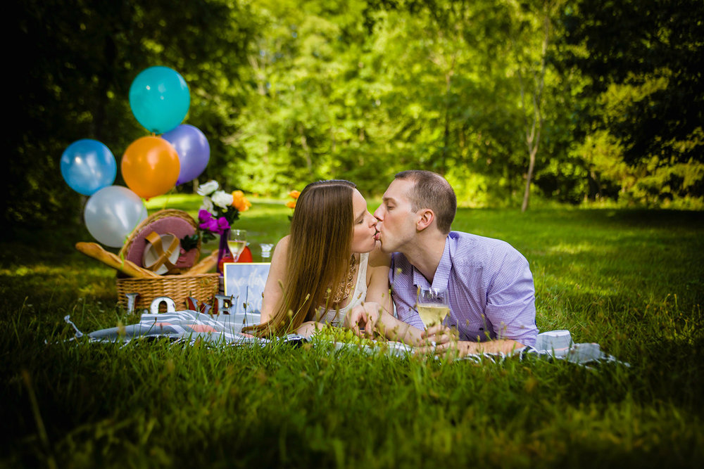Engagement Photos in Ramapo Reservation with a Picnic theme