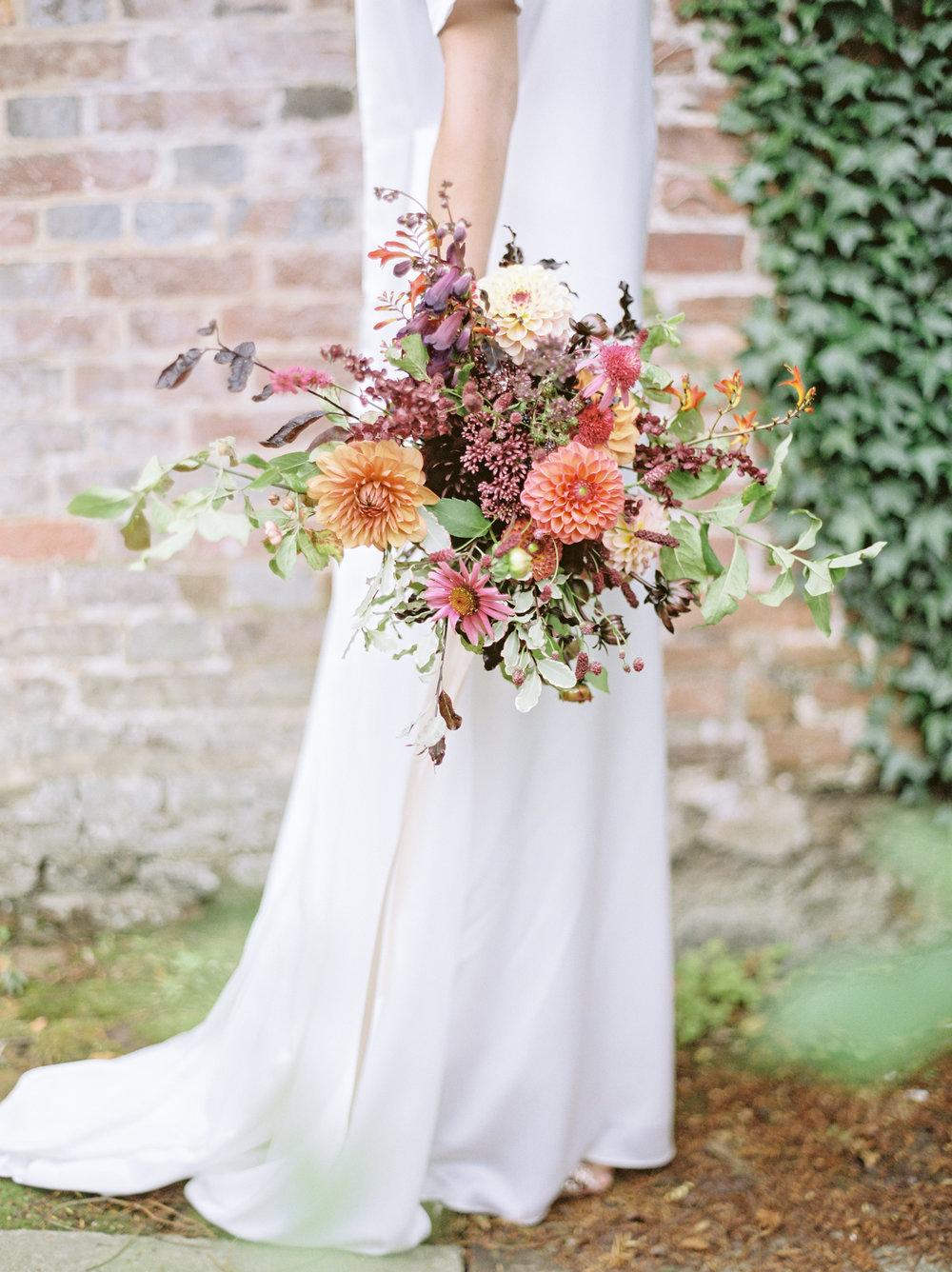 Natural style bridal bouquet