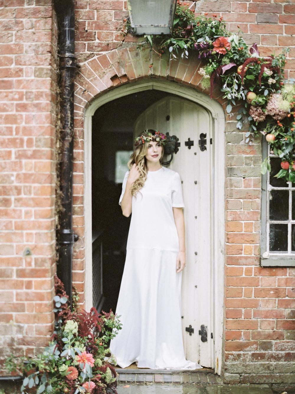 Bride beneath the arch