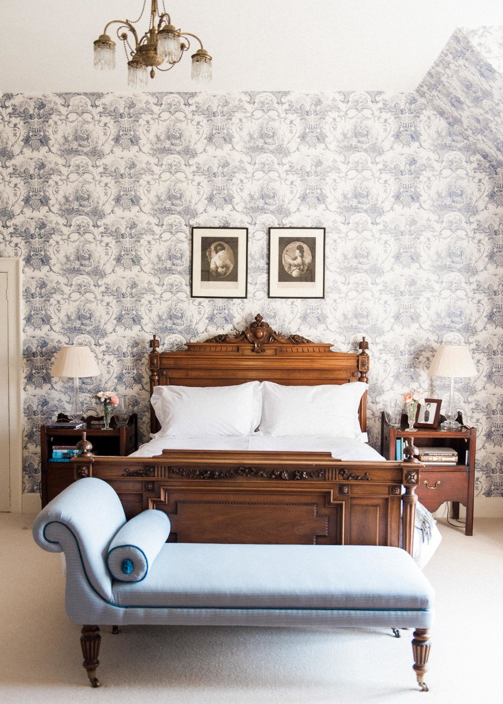 Wickham House bridal bedroom Kate Nielen Photography