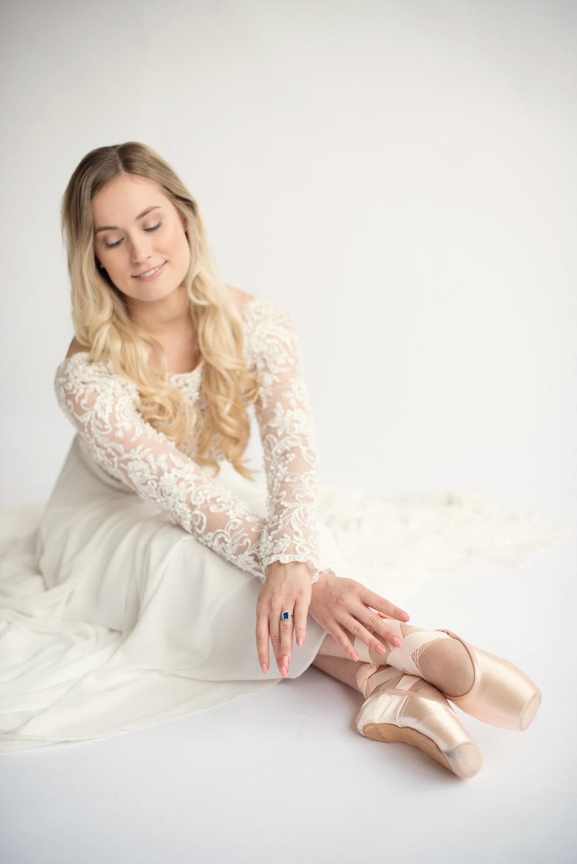 Ballet bridal editorial_Eva Tarnok Photography_40.jpg