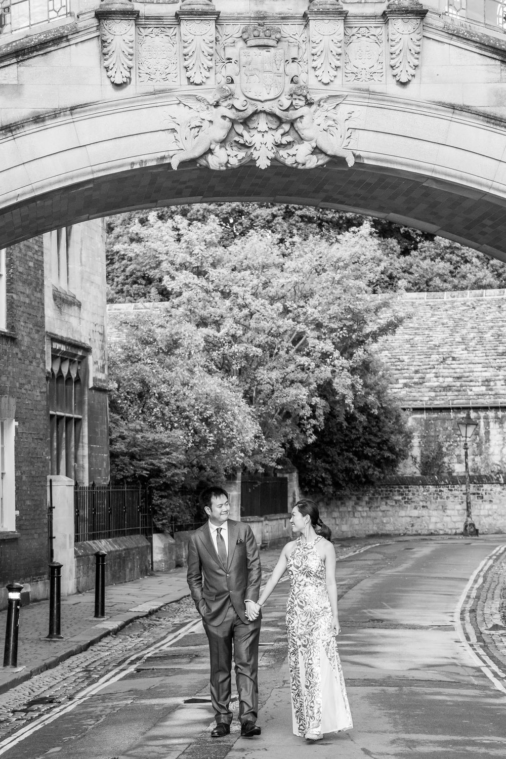 Oxford college wedding_couple outside Hertford College Oxford