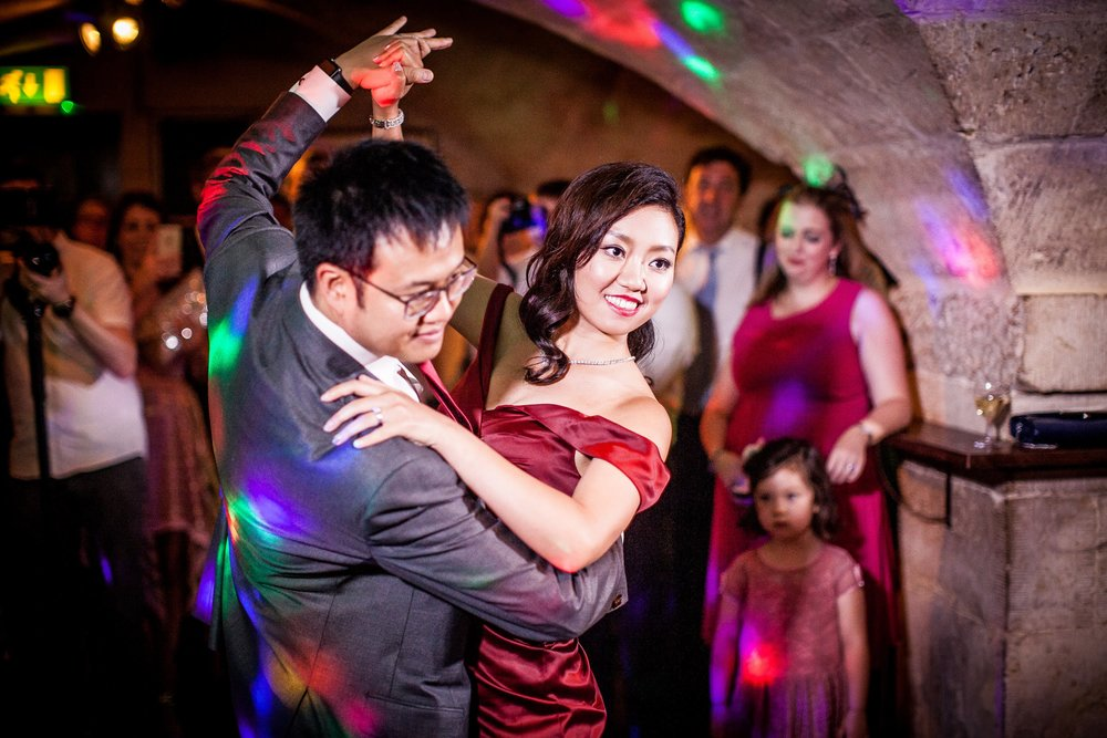Oxford college wedding_couple share their first dance
