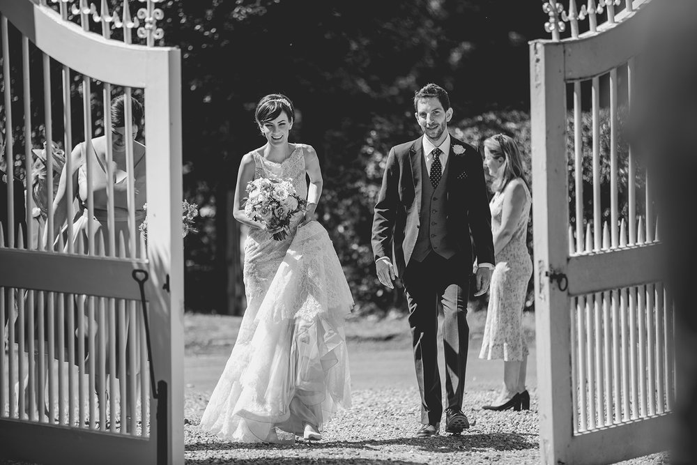 Eggington House marquee wedding_bride and groom arrive at reception