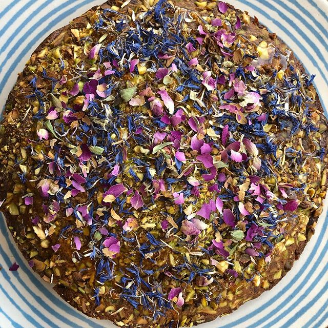 Armenian Nutmeg Cake with honey, pistachio nuts, rose petals and cornflowers. #nofilter #swallowcoffeeshop #goldhawkroad #shebu #shepherdsbush #greatwithcoffee #sundaytreat #homemade