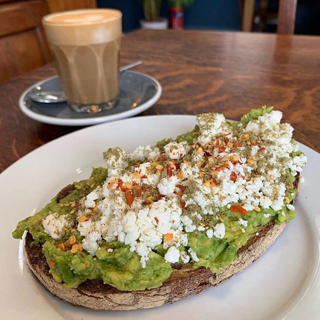 Glad you enjoyed your breakfast @bradfrankel  #goldhawkroad #avocadotoast #swallowcoffeeshop #shebu #sunnymorning