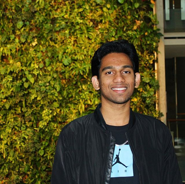 Hey everyone, meet Ryan! He lead the business development of Sprout and is in his second year of studying Finance at uOttawa. When he isn't leading us to new things you can find him playing soccer or eating carrots. In ten years, you might find him being an entrepreneur or traveling to Spain because why not! He has donated to the Sprout Holiday Drive that ends THIS FRIDAY!!! Drop off your donations of non perishable goods and gently used clothing in DMS 2105 B anytime this week! #sproutottawa#uottawa#holidays#membermondays
