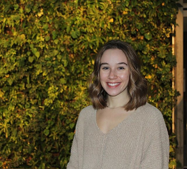 Interrupting your monday with a new member monday! Meet our online marketing, Sophie. Currently in her second year of Communications, Sophie spends her free time working out and traveling. Maybe catch her going to Switzerland this year. If she's not eating cucumbers, she is eating our overnight oats! #sproutottawa#uottawa#health#sprout