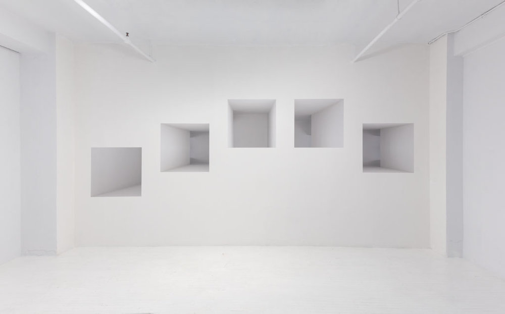 Caroline Cloutier,  Dédale , 2012, exhibition view, photographic installation (digital printing on vinyl, mirror)