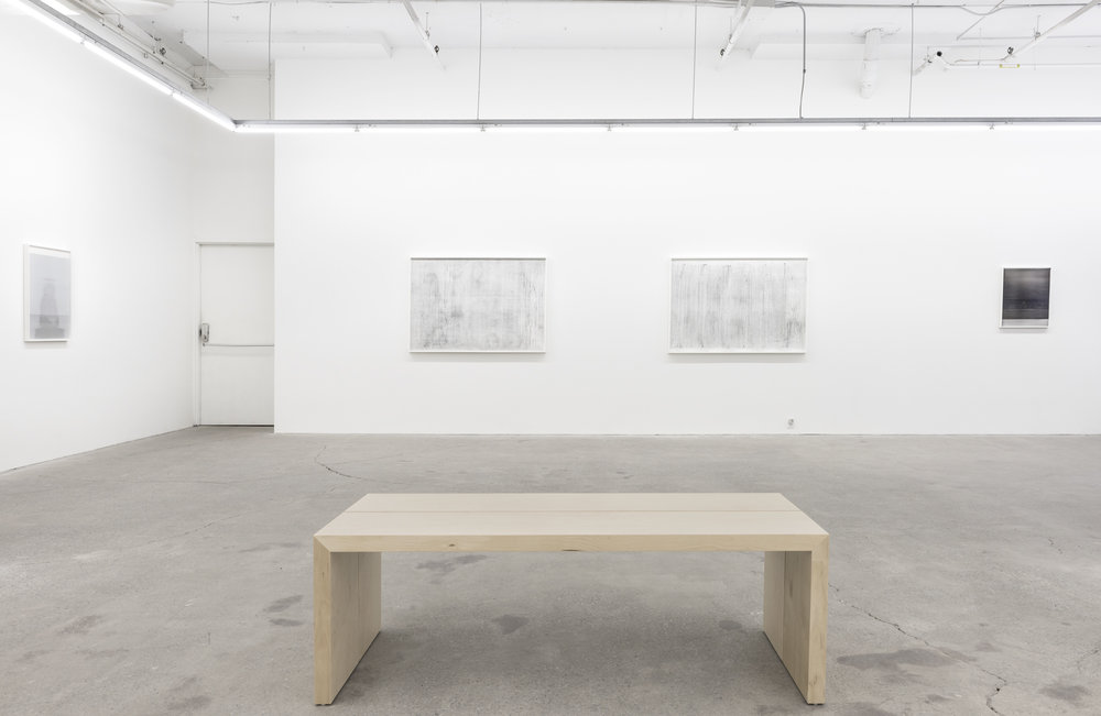 Jim Verburg,  Whatever Form This Moment Takes,  2018, exhibition view, Galerie Nicolas Robert, photo: Jean Michael Seminaro