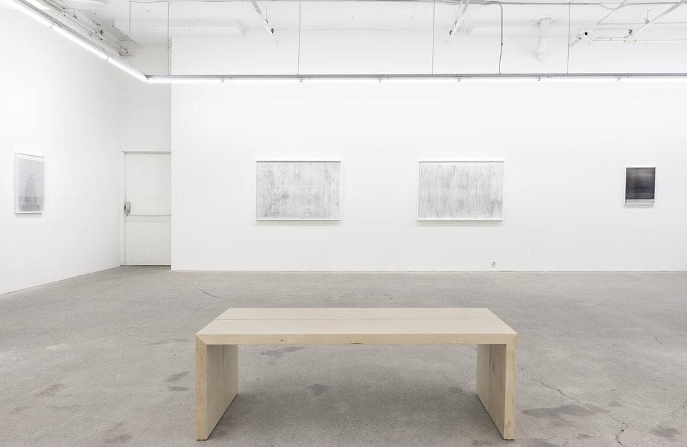 Jim Verburg,  Whatever Form This Moment Takes,  2018, exhibition view, Galerie Nicolas Robert, photo: Jean Michael Seminaro