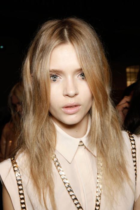 Dot unterm Auge von Givenchy.jpg