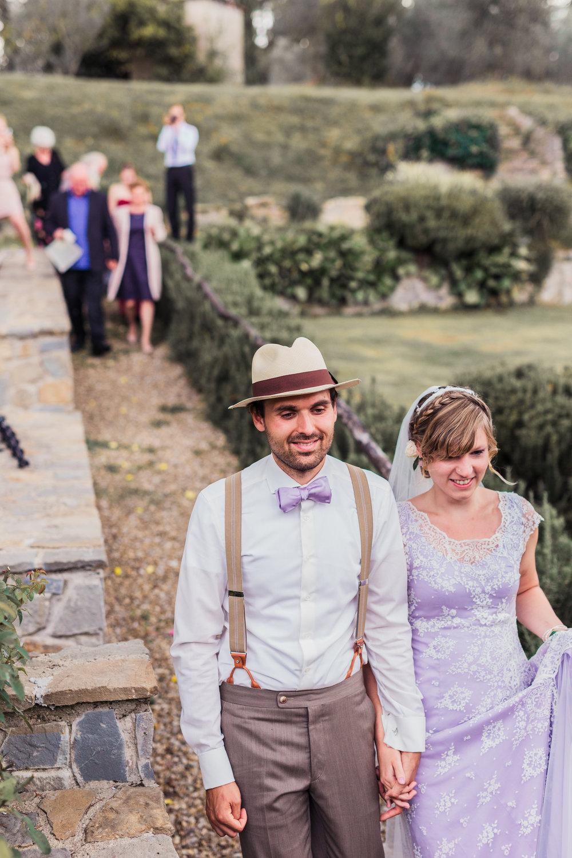 Brautpaar geht voran