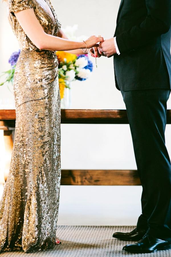 Goldenes Kleid Trauung