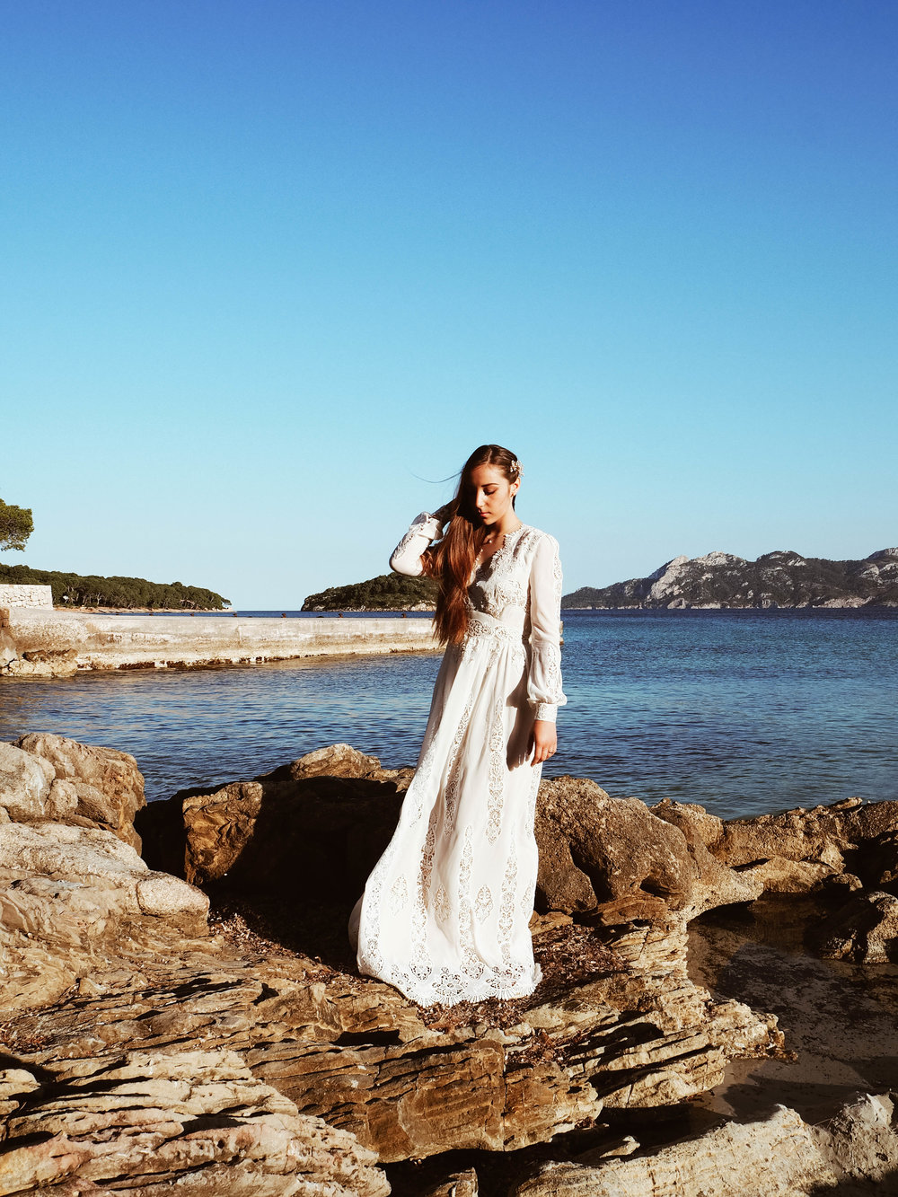 Francis Bridal Wear at the cliff Mallorca