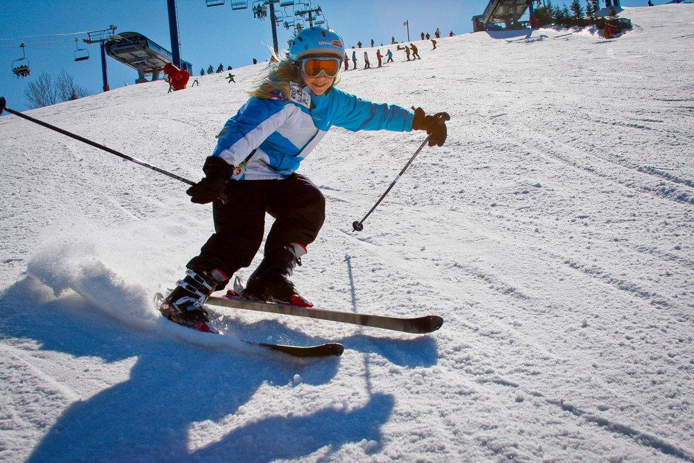 2016-17-Girl-Skier.jpg