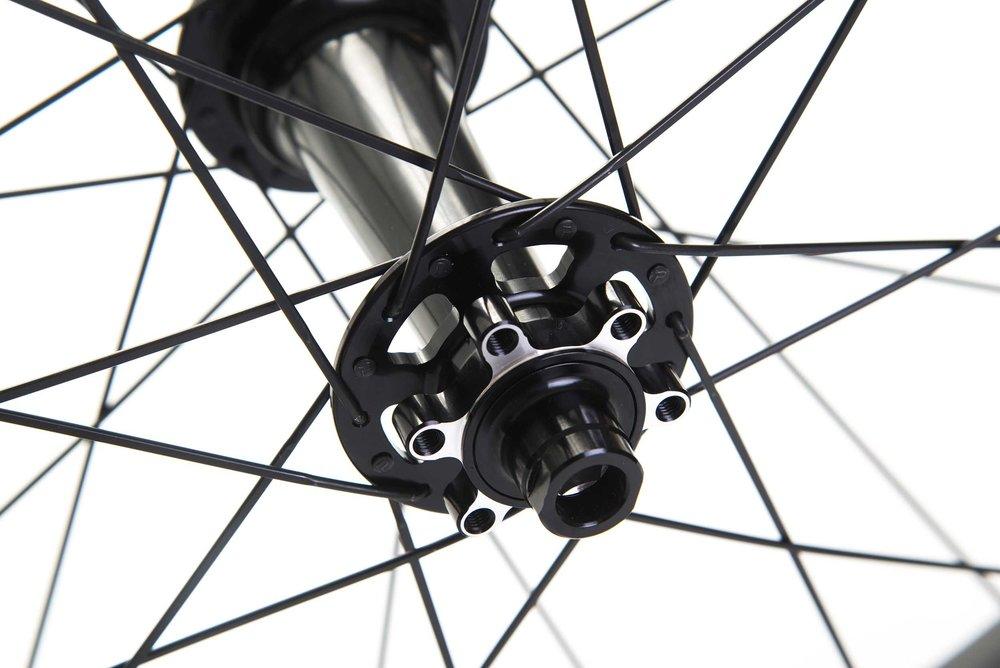 lios-carbon-fatbike-wheelset-black-image-8.jpg