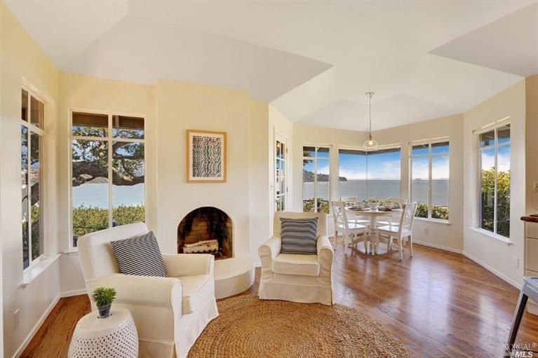 SOLD - 75 Century Drive, Mill Valley, CA4bed/3bath, 2458 sf$2,650,000Represented Sellers & BuyersMultiple offers, cash purchase, quick close
