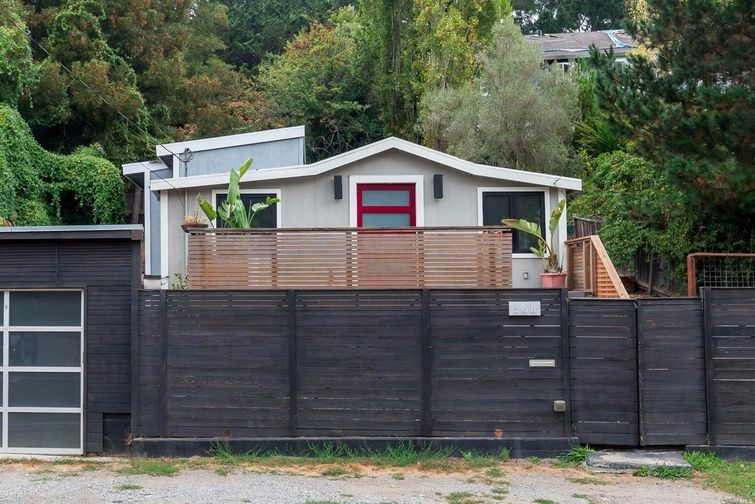 SOLD - 368 Shoreline Hwy, Mill Valley, CA2 bed/1 bath, 699 sf$675,000Represented SellersMultiple offers