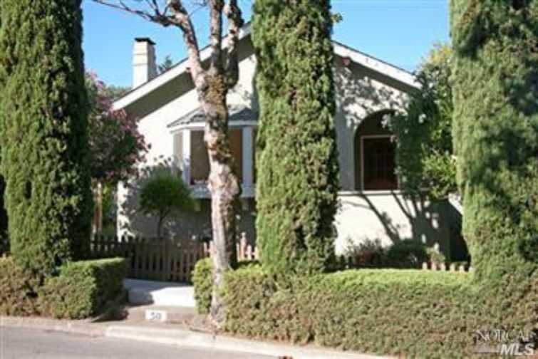 SOLD - 50 Lincoln Park, San Anselmo, CA3 bed/ 1 bath, 1397 sf$805,000Represented Buyers