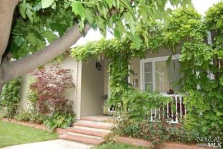 SOLD - 75 Billou St, San Rafael, CA3 bed/ 1 bath, 1254 sf$580,000Sold twice: represented Buyers and then Sellers years later