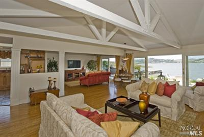 SOLD - 235 Goldenhind Passage, Corte Madera, CA3 bed/ 2 bath, 1861 sf$1,175,000Represented Buyers