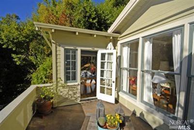 SOLD - 1082 West Blithedale Ave, Mill Valley, CA3 bed/ 3 bath, 1103 sf$745,000Represented Sellers