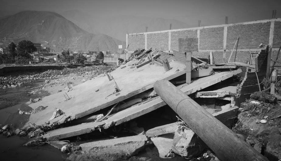 Así quedó la casa de la familia Hilario tras el desborde del río Rímac, en Carapongo. (Anthony Niño de Guzmán).jpg