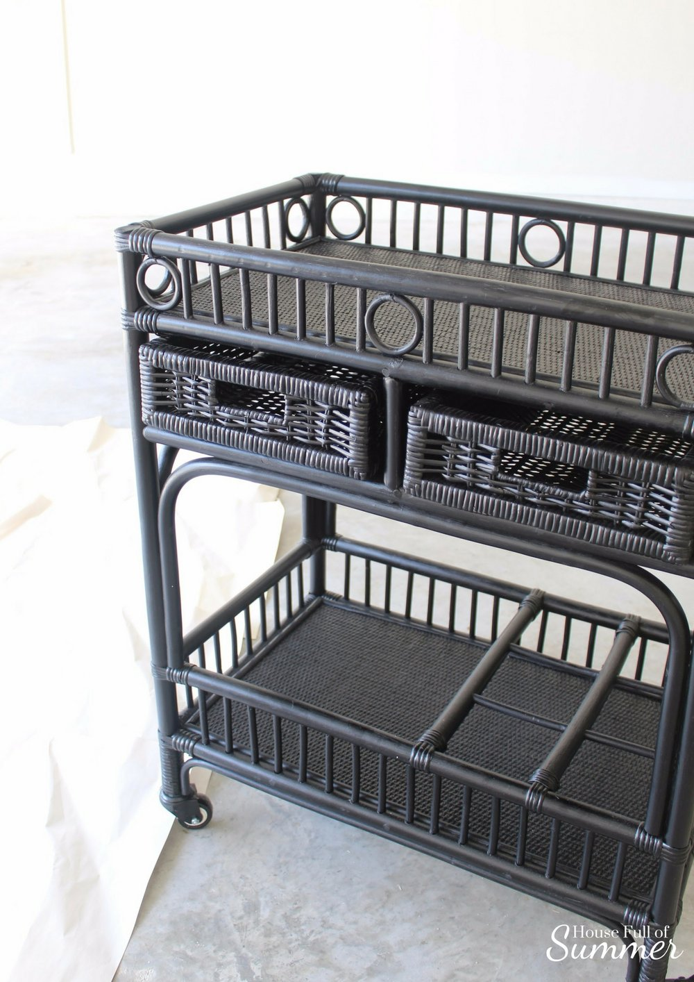 I think this bar cart looks great in black, but it just didn't go with my decor.