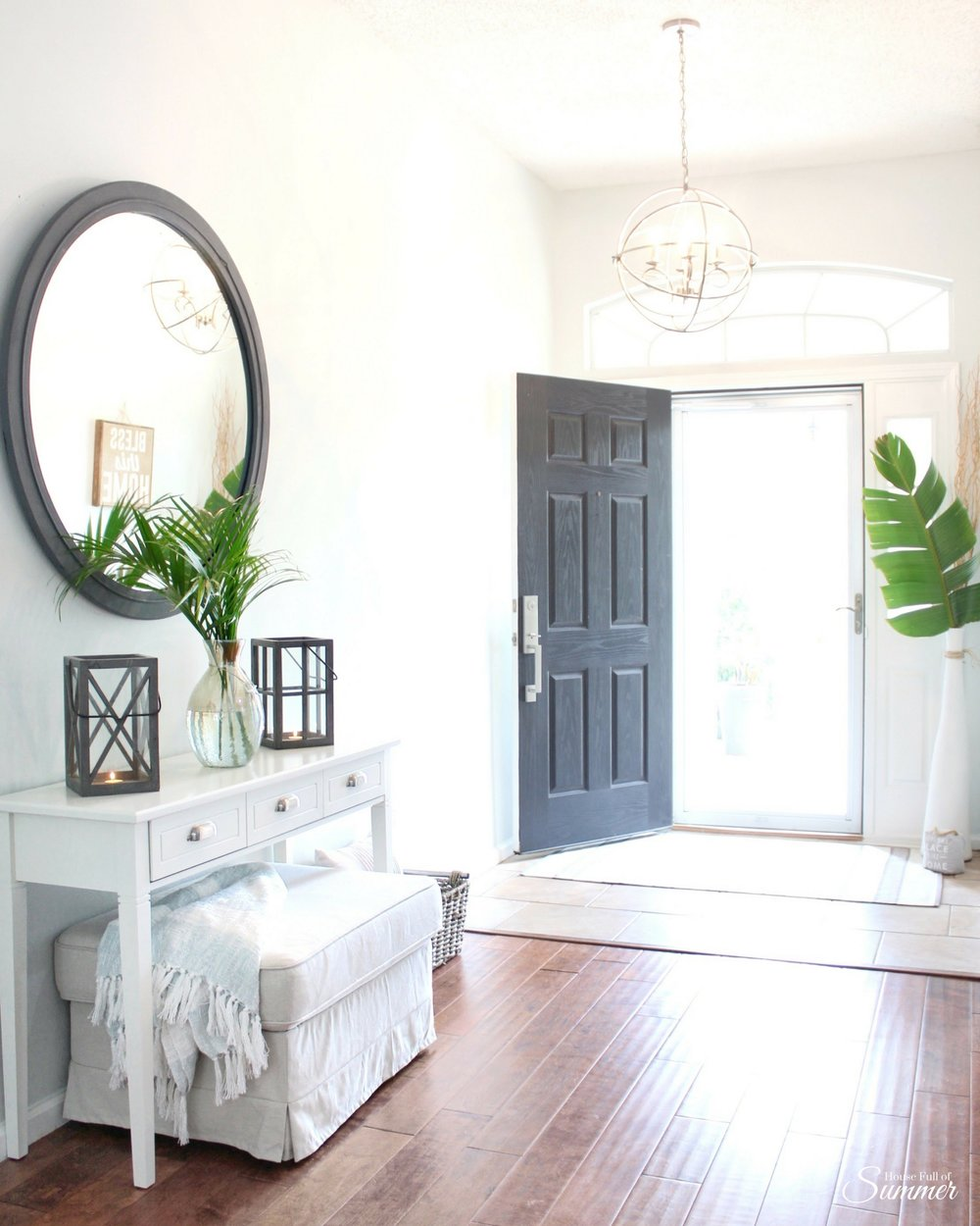 House Full of Summer Craigslist Mirror Makeover on a budget with chalk paint. Home DIY ideas, budget decorating, coastal home decor, foyer makeover, before and after, tropical decor, palm fronds, entryway decor ideas