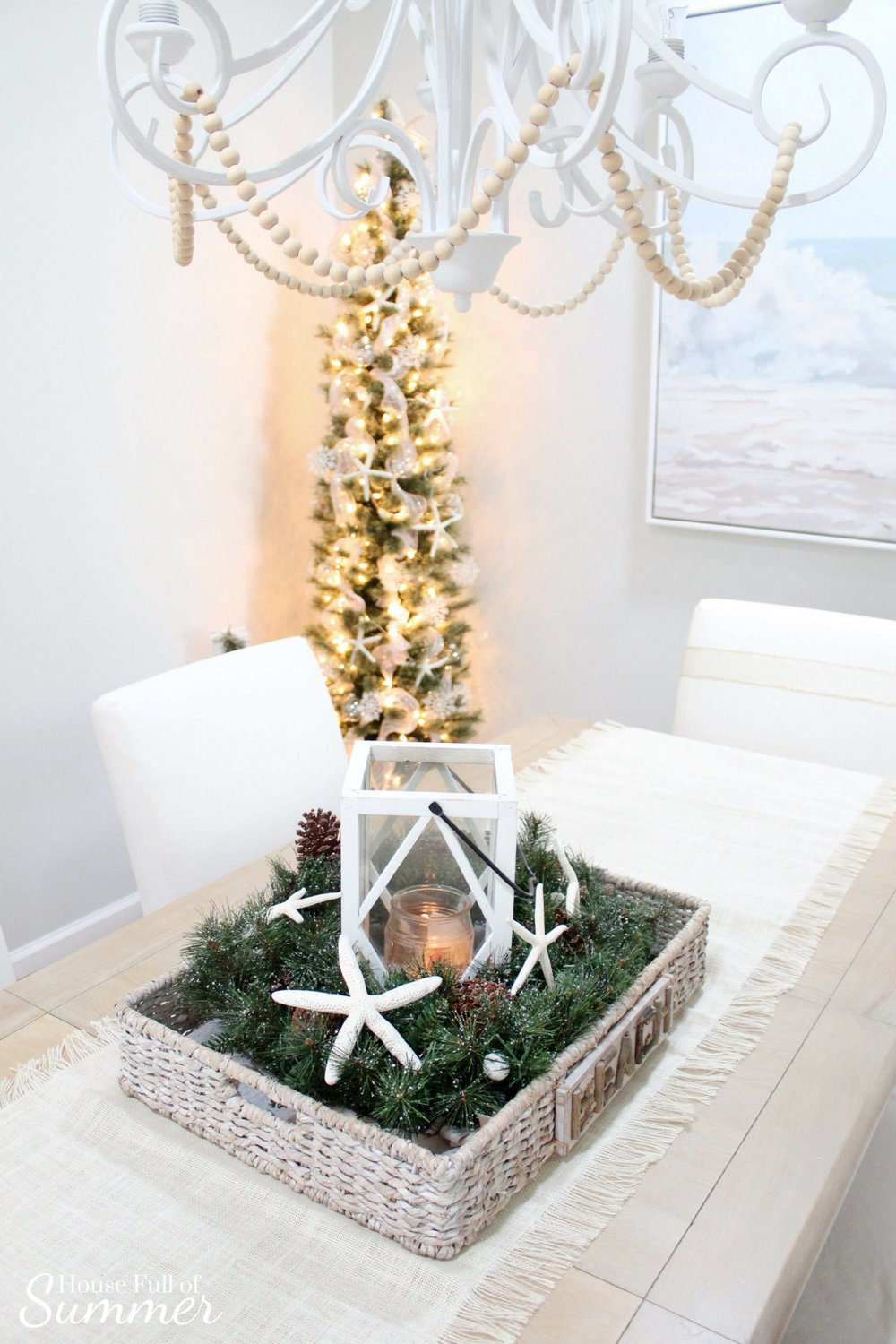 Christmas Home Tour | House Full of Summer blog hop - Cheerful Christmas Home Tourcoastal christmas neutral christmas decor, holiday home tour, florida christmas, extra long table runner, dining room, beach painting
