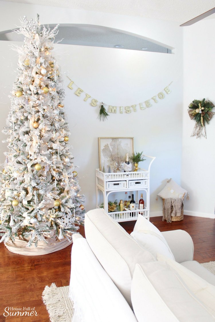 How to Make Fresh Pine Swags — House Full of Summer