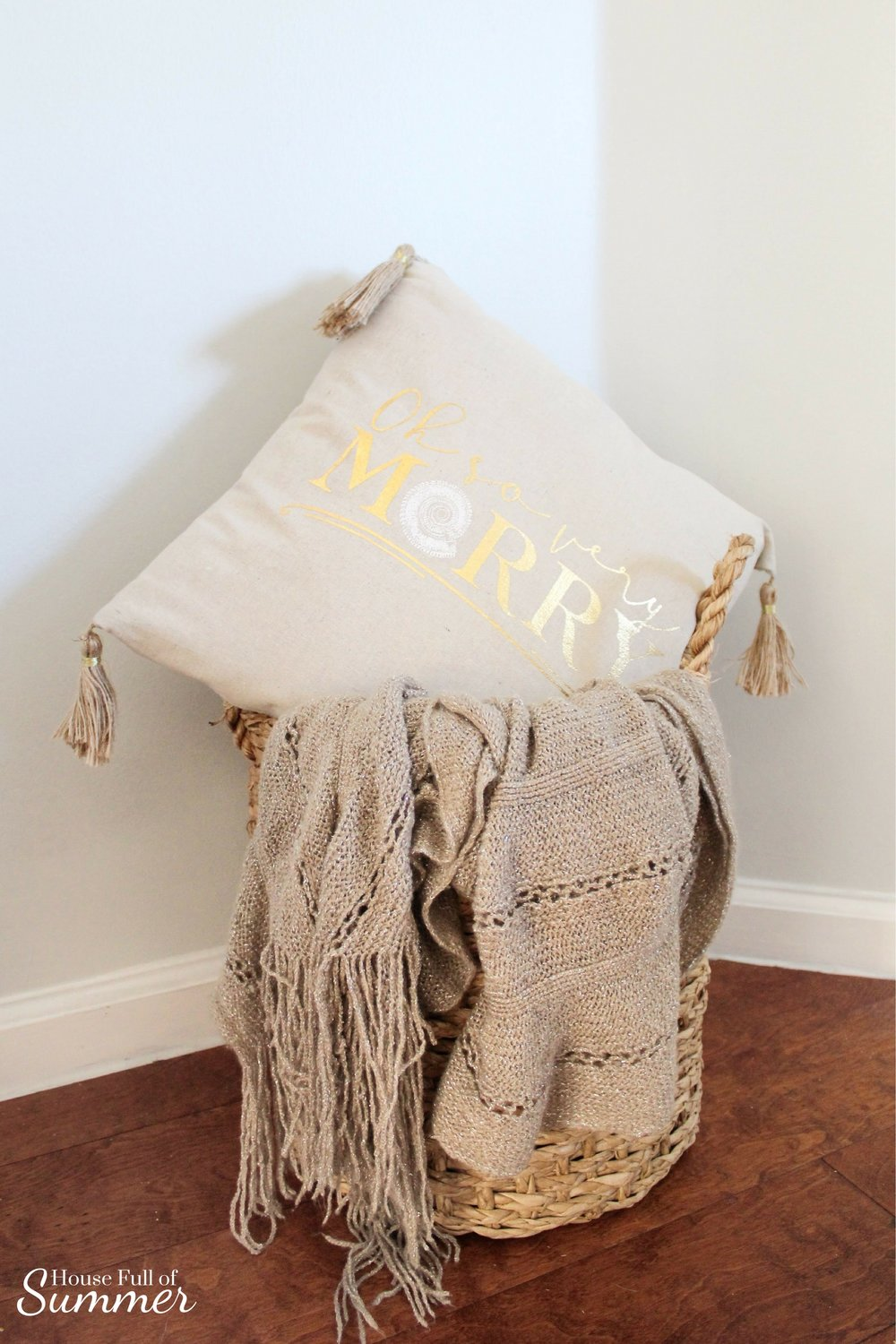 Creating a Glam Coastal Christmas with Bealls Florida | House Full of Summer blog - neutral christmas decor, gold coastal christmas throw pillow, tassel pillow, decorative pillow, florida christmas, beachy holiday decor