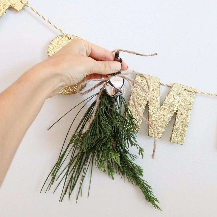 How+To+Make+Fresh+Pine+Swags+_+House+Full+of+Summer+blog+-+diy+christmas+ideas,+simple+christmas+decor,+fresh+greenery+in+christmas+decor,+holiday+decor,+coastal+home+christmas+decor,+classy+decor,+beachy+christ.jpg