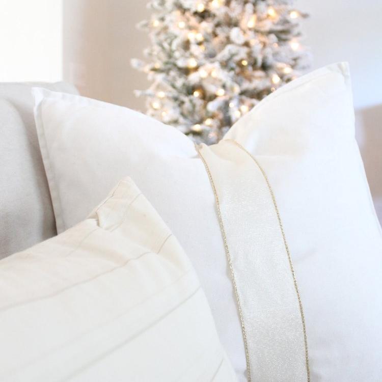 Simple+DIY+Christmas+Present+Throw+Pillow+_+House+Full+of+Summer+blog+-+holidays,+christmas+decor+ideas,+coastal+christmas,+white+christmas+decor,+glam+christmas,+gold+and+white+christmas+decor,+ribbon,+coastal+.jpg