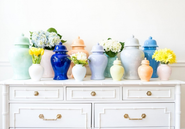 lohomeaubreebunch - Lauren Haskell Designs Hand Painted Ginger Jars in Fun Modern Colors - A Twist on a Classic Design | House Full of Summer transitional mantel decor, fall decorating ideas, light blue ginger jars, plain hand painted ginger jars
