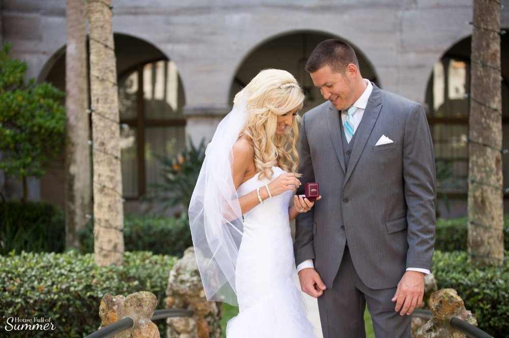 Why I Chose to Have a First Look on Our Wedding Day | House Full of Summer - wedding day ideas, first look photography ideas, first look with the groom, Florida wedding, St. Augustine, Lightner Museum, wedding dress, botanical garden