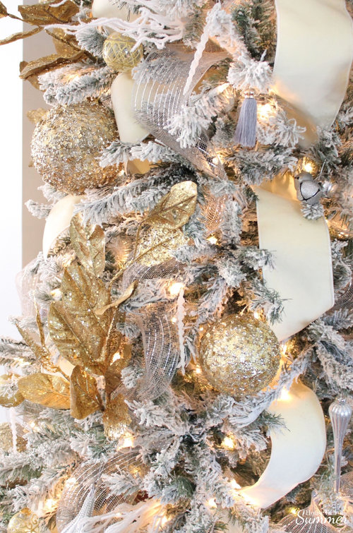 bfde7d64c3eb Southern Glam Christmas Decor | How to decorate your Christmas tree with  Southern charm! Neutral