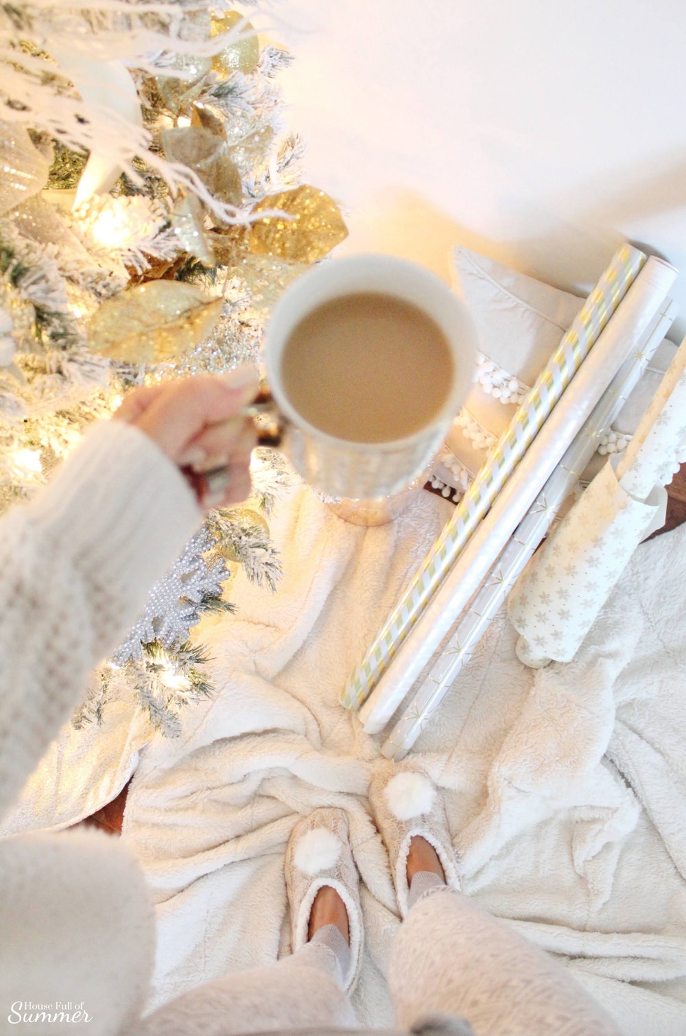 Cozy Christmas Mornings PJs, coffee, elegant gift wrapping, pom pom slippers, fuzzy blankets, fur throw, holiday outfits, leisure wear, casual style | House Full of Summer glam gold Christmas tree, neutral decor, jute rug