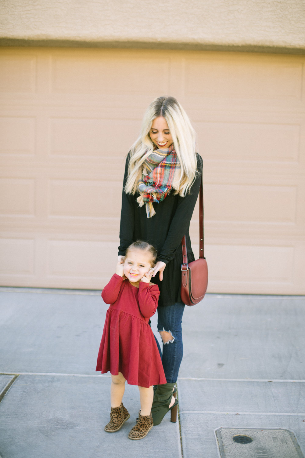 5 Holiday Traditions that Cost Little to No Money by Las Vegas lifestyle blogger Life of a Sister