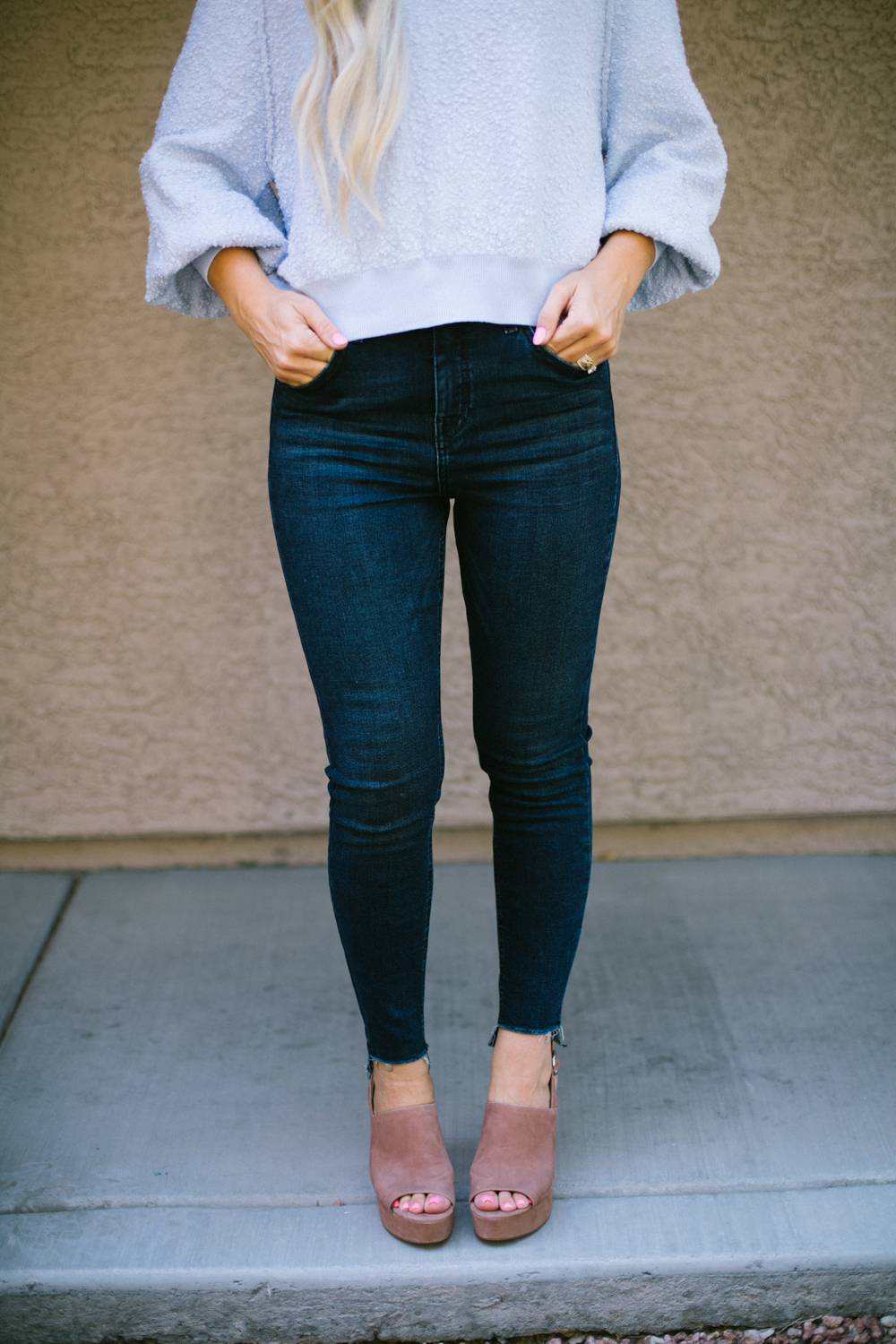 Casual Summer to Fall Outfit featured by popular Las Vegas life and style bloggers, Life of a Sister